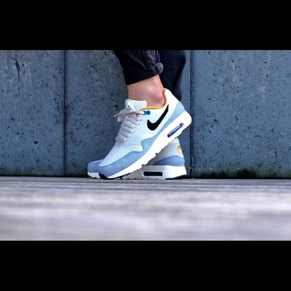Nike Air Max 1 Ultra Essential light bone blue cap